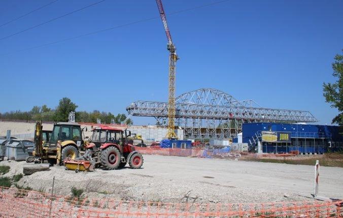 Mestá a obce žiadajú, aby ministerstvo začalo s výstavbou rýchlostnej cesty R8 z Komárna do Nitry