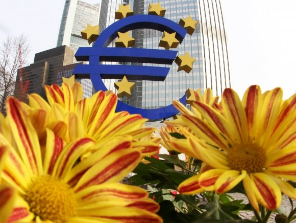 Európska centrálna banka sa rozhodla podporiť ekonomiku eurozóny a nezvýši úrokové sadzby