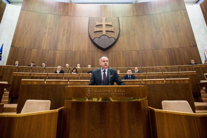 Kiska vo svojich prejavoch apeloval na dôveru ľudí v štát, ale hovoril aj o kauzách a vražde Kuciaka