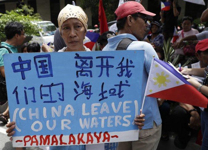 V Juhočínskom mori sa potopila filipínska rybárska loď, za incidentom údajne stojí Čína