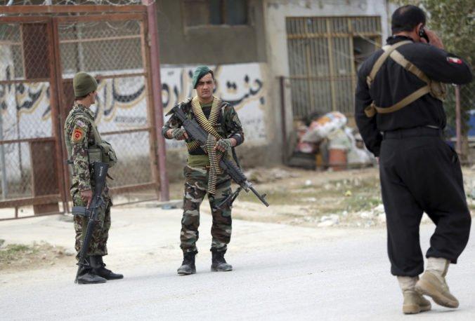 Afganistan chce posunúť vpred mierový proces s Talibanom, z väzenia prepustil stovky členov hnutia