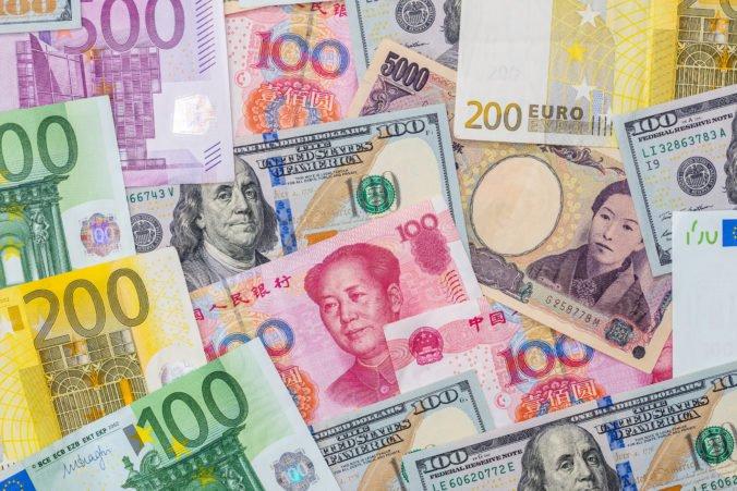 Spoločná európska mena oproti doláru stúpla, polepšila si aj v postavení globálnej rezervnej meny