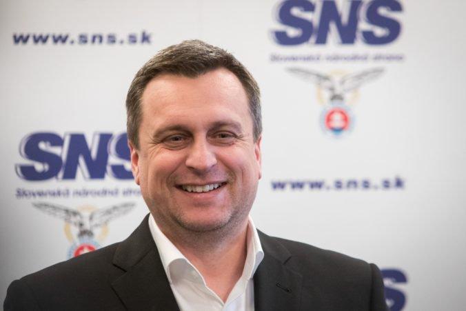 Daň z príjmu podnikateľov s obratom do sto tisíc eur sa zníži, potvrdil Danko