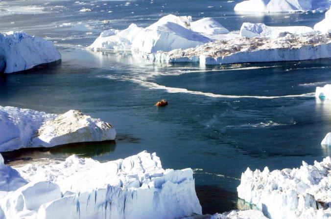 Pod ľadovec v Grónsku umiestnia nové senzory, sprostredkujú dáta o posúvaní ľadu do oceánu