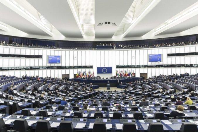 Europoslanci si zvolia predsedu, rozhodnúť o ňom chcú aj lídri krajín