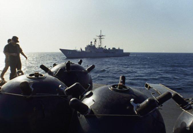 Američania poslali na Blízky východ ďalšie vojenské lode, oblasť kontroluje piata flotila