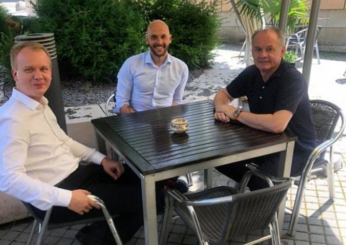 Foto: Kiska rokoval s Beblavým a Trubanom, rokovali o možnostiach spolupráce