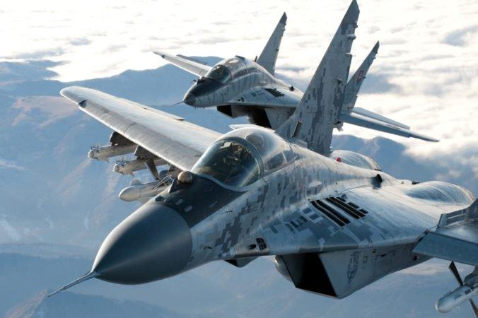 Talianske lietadlo stratilo nad Slovenskom spojenie, na pomoc vyštartovali stíhačky Mig-29