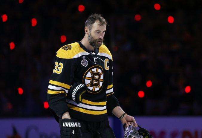Zdeno Chára sa vyrovnal rekordérovi Hossovi, víťazstvo v ankete Hokejista roka ho prekvapilo