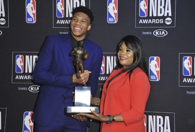 Video: Nováčikom roka v NBA sa stal Dončič, najužitočnejším hráčom sezóny je Antetokounmpo