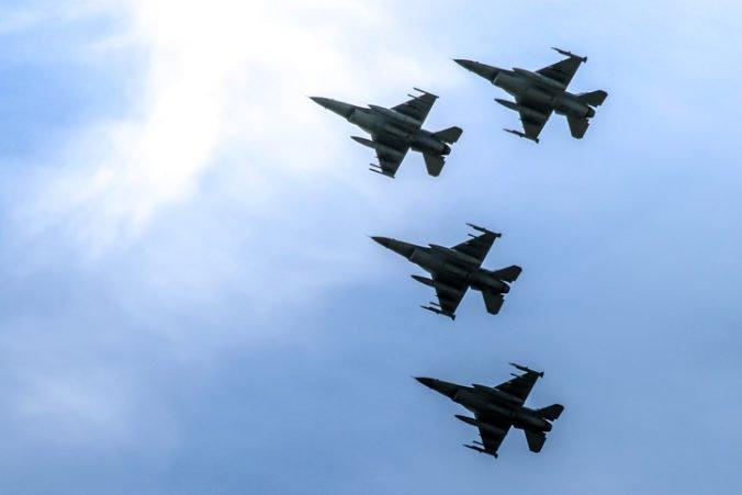 Stíhačky NATO museli viackrát zasahovať proti ruským lietadlám, niektoré mali vypnuté transpondéry