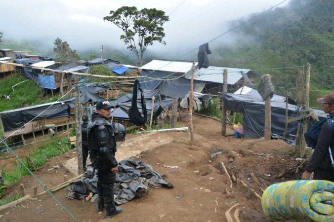 Ekvádorská vláda vyslala stovky policajtov a vojakov do nelegálnej zlatej bane