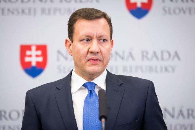 Ústava sa podľa Lipšica mení často a účelovo, Vozár súhlasí s názorom prezidentky Čaputovej