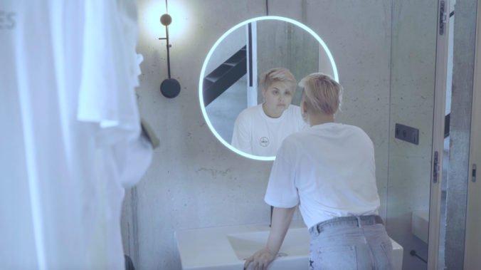 Slovenská speváčka M.U.S vydáva debutový album Me, k titulnej piesni Now We Know predstavila videoklip