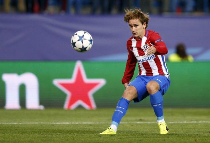 Barcelona lanárila Griezmanna v rozpore s pravidlami, Atlético Madrid jej postup kritizuje