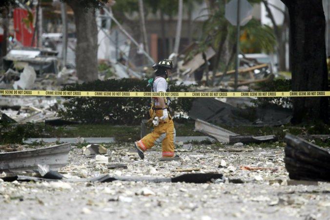 Video: Nákupným centrom na Floride otriasol mohutný výbuch