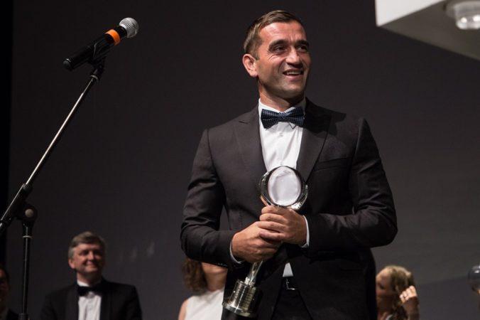 Filmový festival v Karlových Varoch pozná víťazov, cenu si odniesol aj Milan Ondrík