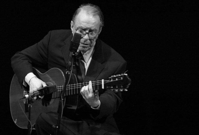 Zomrel hudobník Joao Gilberto, je považovaný za jedného zo zakladateľov žánru bossa nova