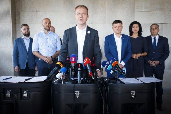 Aktualizované: Koalícia Progresívne Slovensko/Spolu podpísala dohodu o predvolebnej spolupráci s KDH