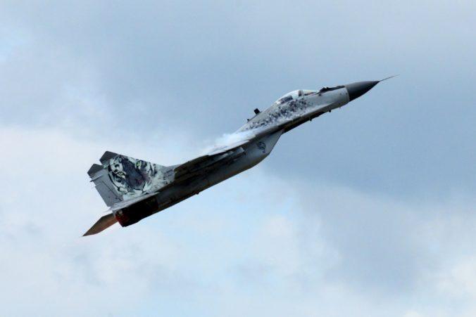 Let stíhačiek MiG-29 môže spôsobiť supersonický tresk, štartovať budú zo Sliača
