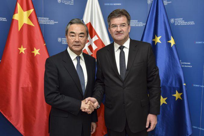 Slovensko má záujem o zvýšenie exportu do Číny, povedal Lajčák na stretnutí s čínskym ministrom