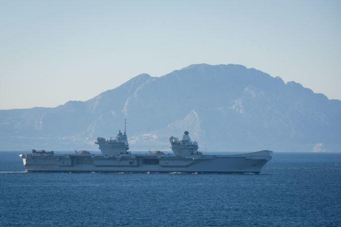 Iránske lode sa pokúsili blokovať britský tanker, odradila ich Fregata HMS Montrose