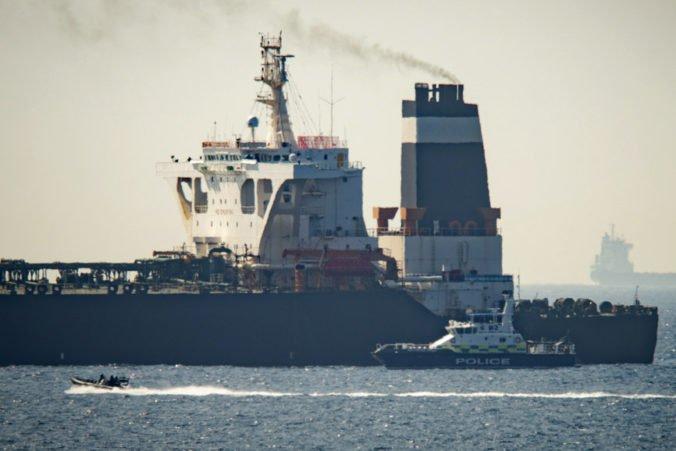 """Irán požiadal Veľkú Britániu o prepustenie supertankera a obvinil ju z hrania """"nebezpečnej hry"""""""