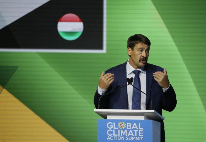 Maďarská vláda bude kontrolovať vedecký výskum, prezident Áder podpísal kontroverzný zákon