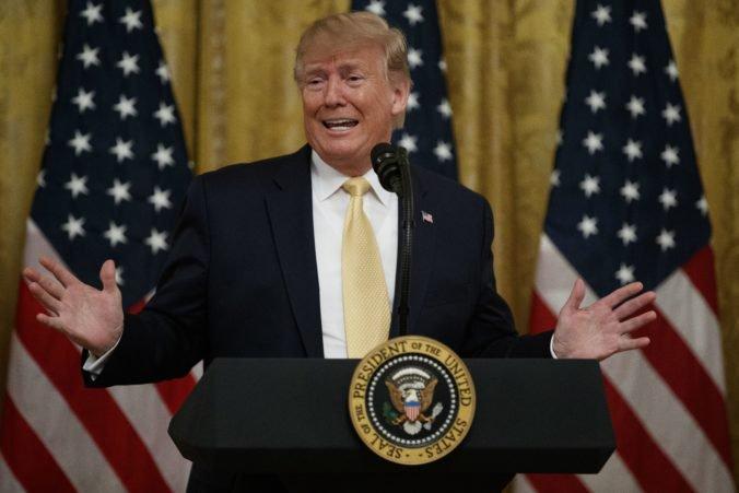 """Trump skritizoval tradičné média a pýtal sa ľudí, či chcú mať za prezidentku """"Pocahontas"""""""