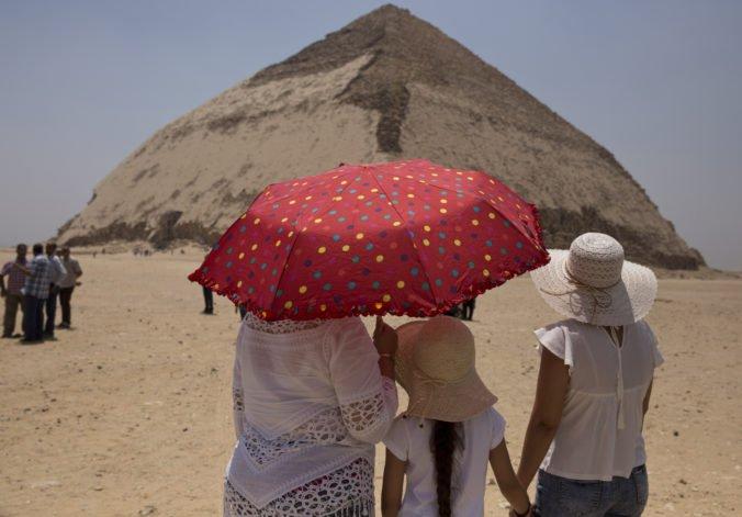 Video: Egypt po prvý raz od šesťdesiatych rokov otvoril dve z najstarších pyramíd