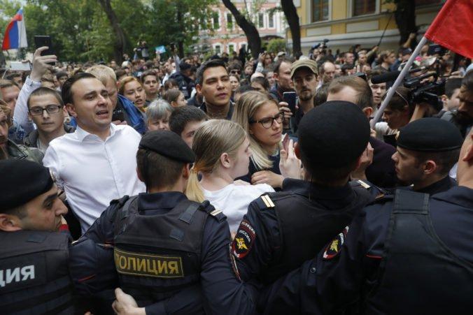 Video: Ruská opozícia protestovala proti postupu moskovskej volebnej komisie