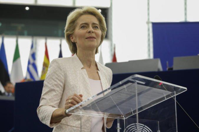 Európska únia bude mať prvýkrát na čele ženu, parlament podporil Ursulu von der Leyen