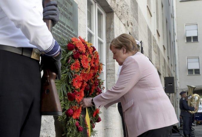 Nemecko si pripomenulo 75. výročie pokusu o atentát na Hitlera, na ceremónii bola aj Merkelová