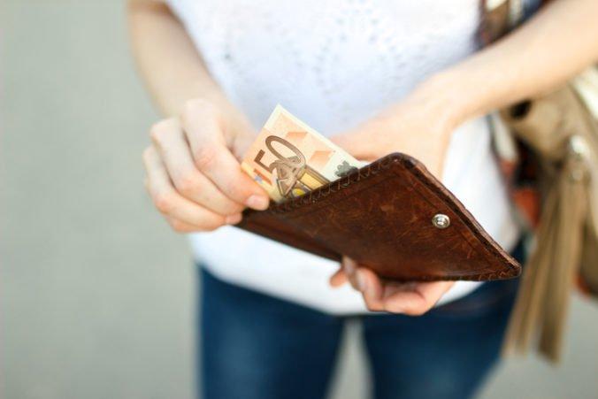 Ministerstvo práce navrhuje zvýšiť minimálnu mzdu na 580 eur, má ísť o kompromisné riešenie