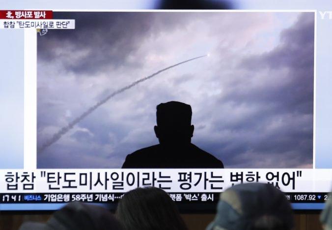 Severná Kórea otestovala ďalšie rakety, prezidenta Trumpa to neznepokojuje