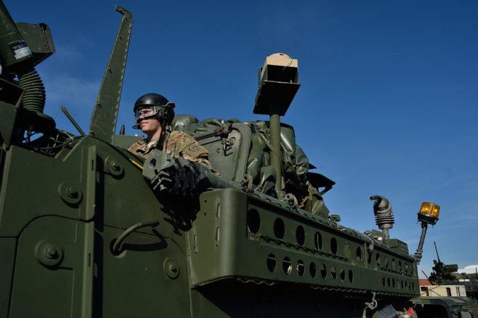 Cez Slovensko sa budú presúvať americkí aj poľskí vojaci