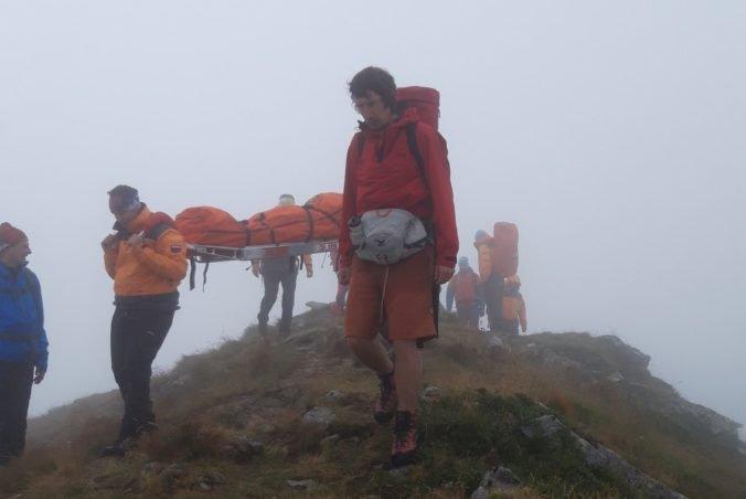 Foto: Turista neprežil pád z hrebeňa Otrhancov, horskí záchranári nemohli pri zásahu použiť vrtuľník