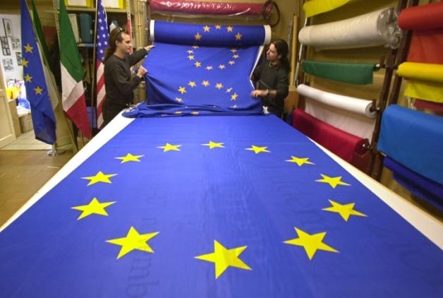 Väčšina Slovákov sa cíti byť Európanmi, v prieskume hodnotili aj parlament a stav hospodárstva