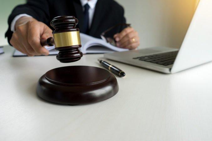 Na prepusteného podnikateľa Vinogradova podali trestné oznámenie, z väzby vraj posielal motáky