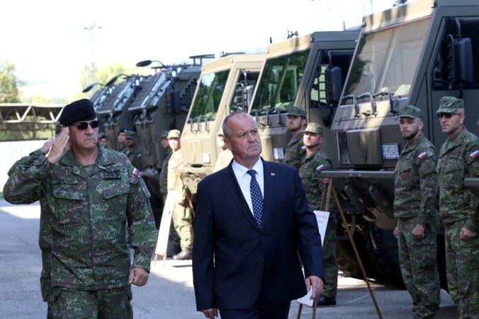 Minister Gajdoš odovzdal vojakom nové vozidlá Tatra, budú slúžiť v piatich vojenských útvaroch