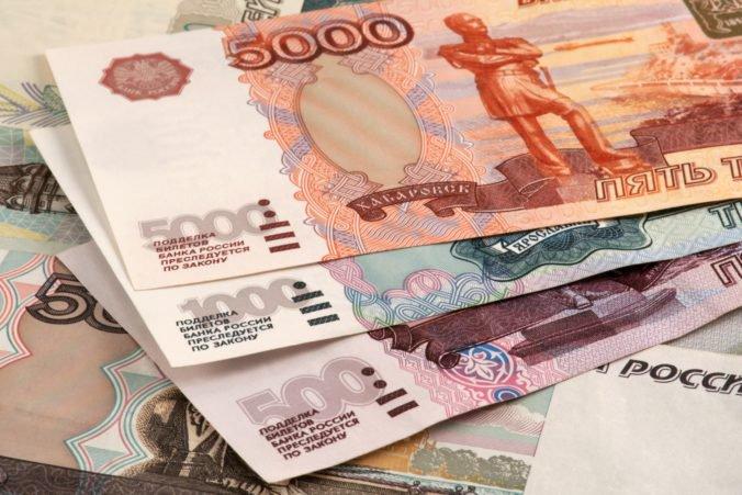 Agentúra Fitch zlepšila dlhodobý emisný rating Ruska, oceňuje ekonomickú politiku a rozpočtové prebytky