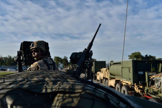 Po cestách pôjdu americkí vojaci, ministerstvo obrany upozorňuje aj na nadrozmerný náklad