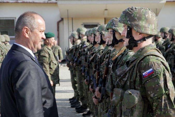 Počty dobrovoľníkov vo vojenskej príprave nie sú ideálne, ministerstvo však nemôže zľaviť z nárokov
