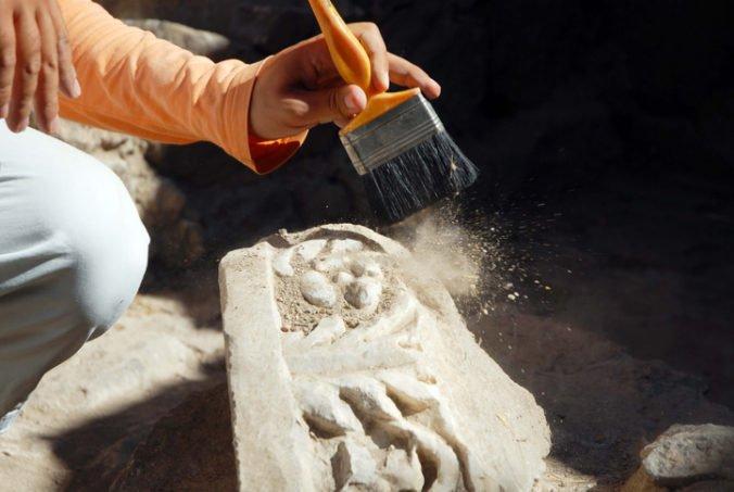 V Grécku objavili dve neporušené hrobky, zrejme pochádzajú až z roku 1400 pred naším letopočtom