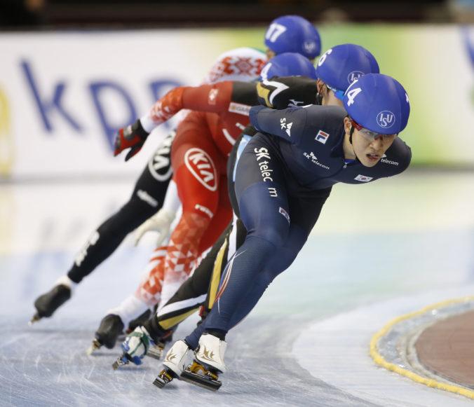 Olympijský medailisti pili alkohol v tréningovom centre, rýchlokorčuliari dostali dištanc