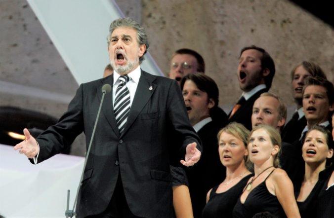 Operný spevák Plácido Domingo čelí obvineniam, za sexuálny vzťah vraj ponúkal ženám angažmá