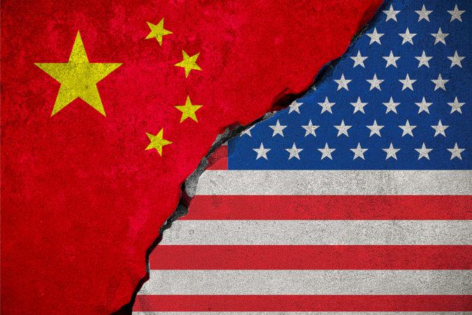 Peking hrozí odvetou, ak USA vystupňujú obchodnú vojnu a uvalia clá na ďalší dovoz z Číny