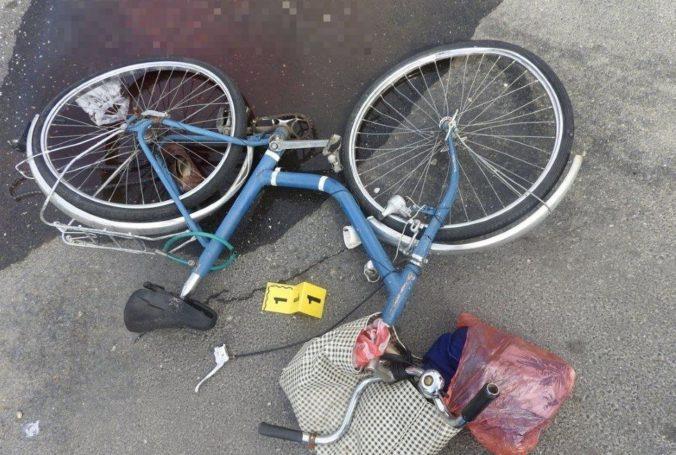 Foto: Starenka išla skoro ráno na bicykli do obchodu, zrážku s autom neprežila