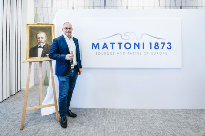 """Karlovarské minerální vody s novou identitou: """"Mattoni 1873″"""