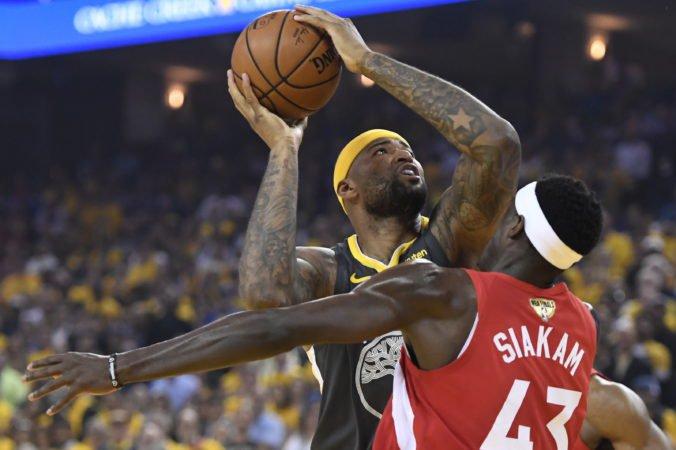 Lakers prišli na dlhú dobu o svoju novú posilu, DeMarcus Cousins sa vážne zranil